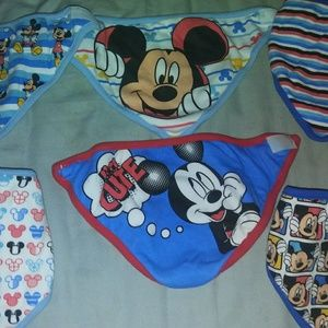 Set of 6 bandana Mickey bibs